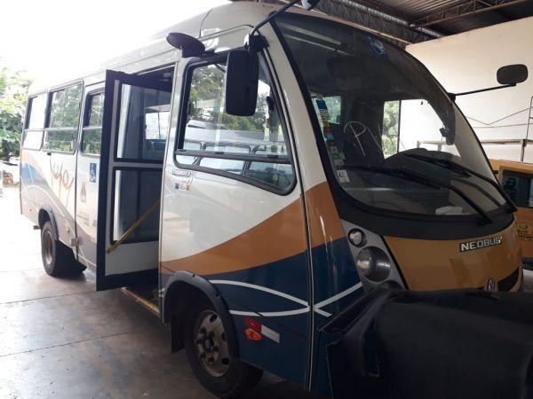 Prefeitura de Mirante da Serra adquire micro ônibus para transporte de pacientes